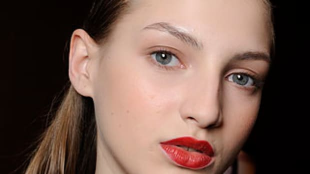 Gianfranco-Ferre-Fall-2010-beauty