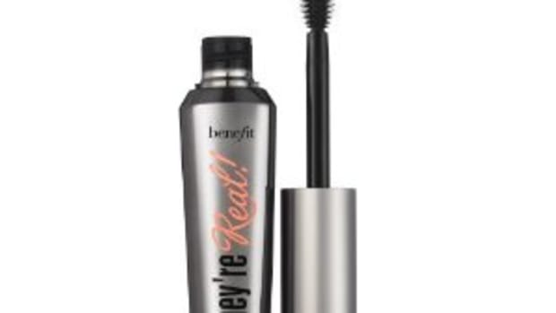 Benefit-Theyre-Real-mascara-review