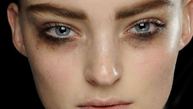 Louis Vuitton - Fall 2012 makeup