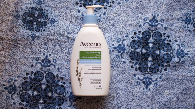 Aveeno Sheer Hydration