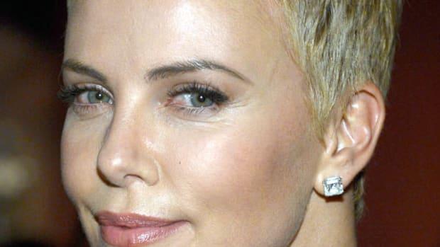 Charlize Theron - Oscars 2013 hair