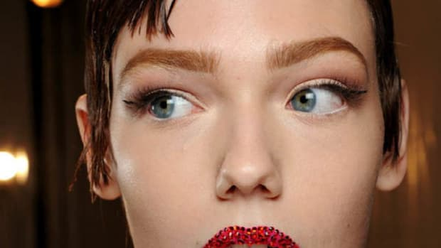 Christian-Dior-Spring-2013-Couture-makeup