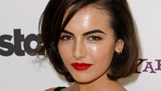 Best mid-length cuts for brown hair