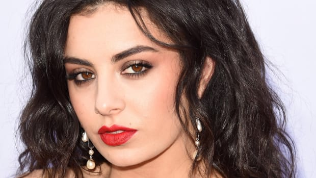 Charli XCX, Billboard Music Awards 2015