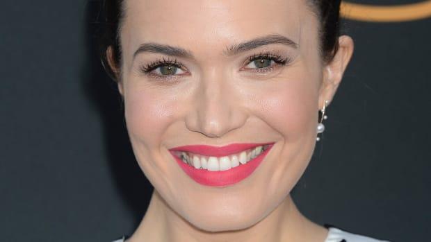 Best bright lipstick looks