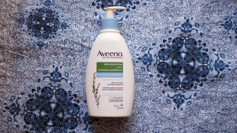 Aveeno's Sheer Hydration is Ticking Off Almost All My Body Lotion Boxes