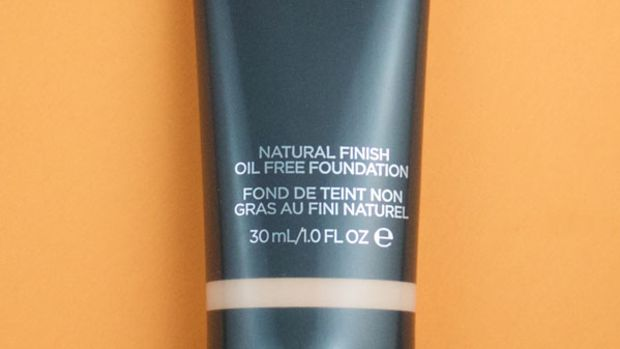 Cover FX Natural Finish Oil-Free Foundation (1)