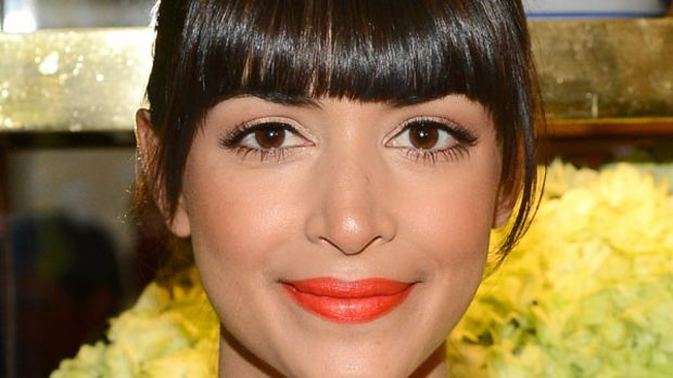 Hannah Simone orange lipstick