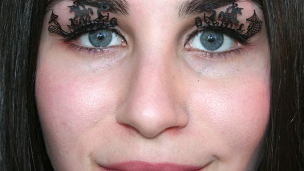 Paperself eyelashes on eyes (3)