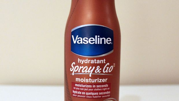 Vaseline Spray & Go Moisturizer - review and photos