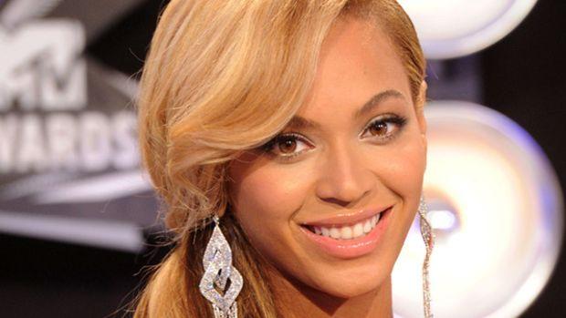VMAs-2011-Beyonce