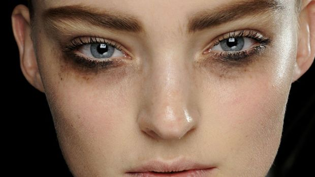 Louis Vuitton - Fall 2012 makeup