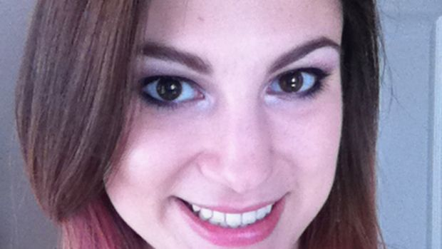 Rikki - Make Up For Ever eyeshadow - open