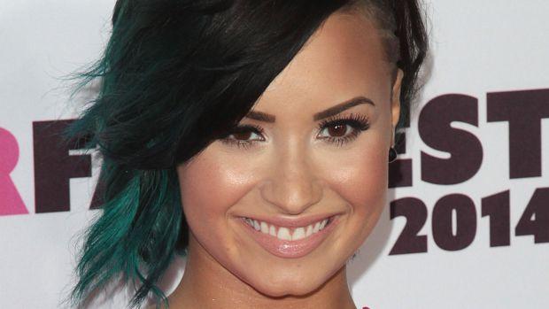 Demi Lovato, Vovo SuperFanFest, 2014