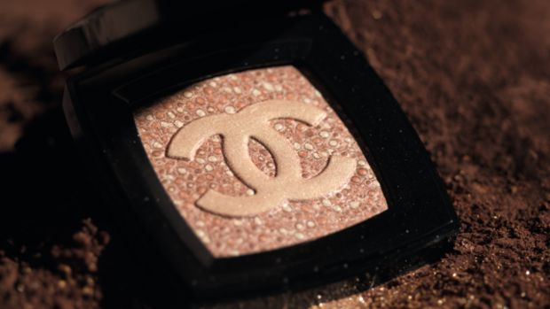 chanel-spring-2010-makeup-empreinte-de-chanel