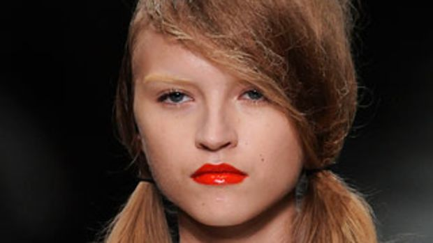 prada_spring2010beauty