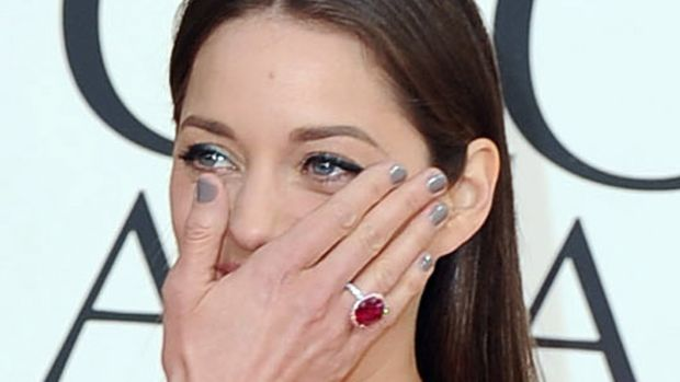 Marion Cotillard - Golden Globes 2013 nails