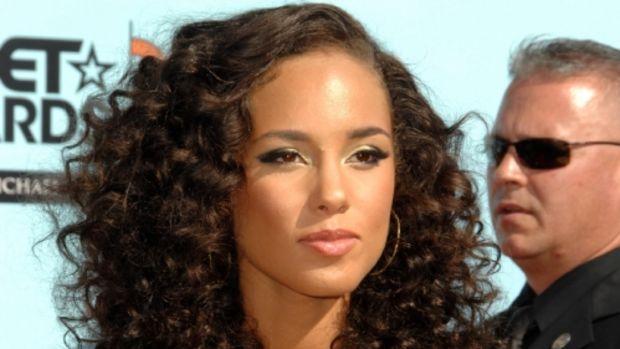 Alicia-Keys-curls