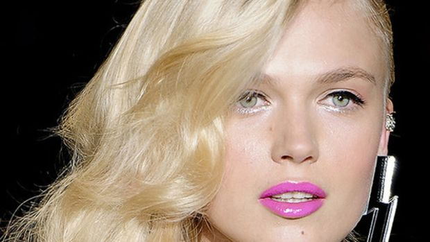 Betsey Johnson - Spring 2012 hair