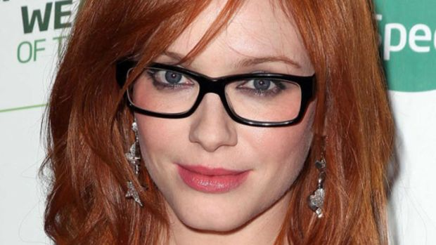 Best hairstyles to wear with glasses