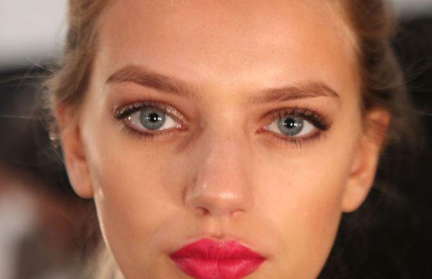 Luca-Luca-red-lipstick