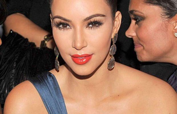 Kim-Kardashian-at-Vera-Wang-Spring-2012