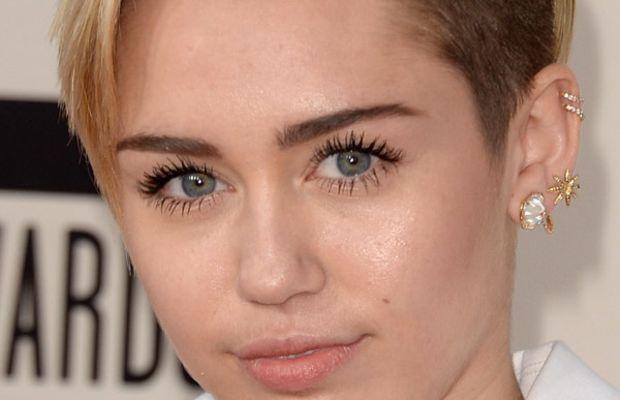 Miley Cyrus, American Music Awards, 2013