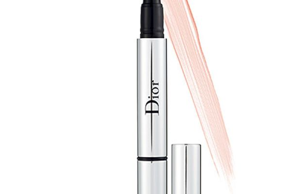 Dior Skinflash Radiance Booster Pen in Roseglow 001