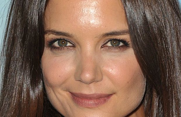 Best makeup for oily skin - Katie Holmes