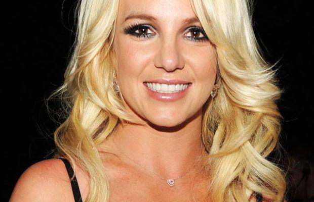 Britney-Spears-Billboard-Music-Awards-2011