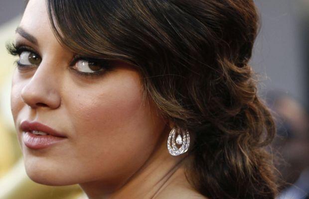 Mila-Kunis-2011-Oscars