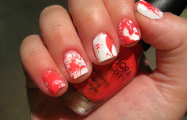 Blood splatter manicure - step 5