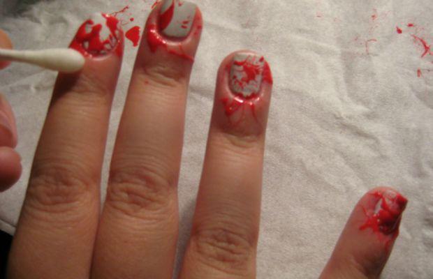 Blood splatter manicure - step 4