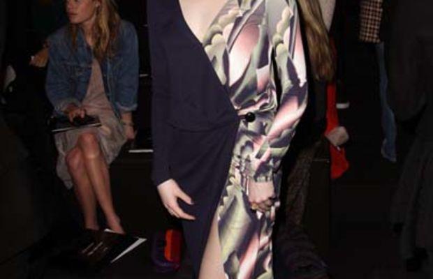 Emma-Stone-dress-at-Louis-Vuitton-2011