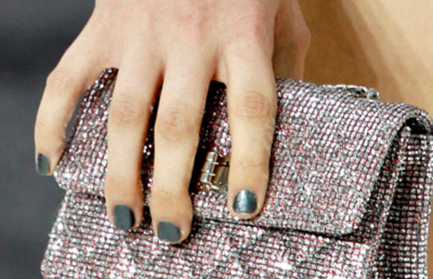 Chanel-SS-2011-nails-2