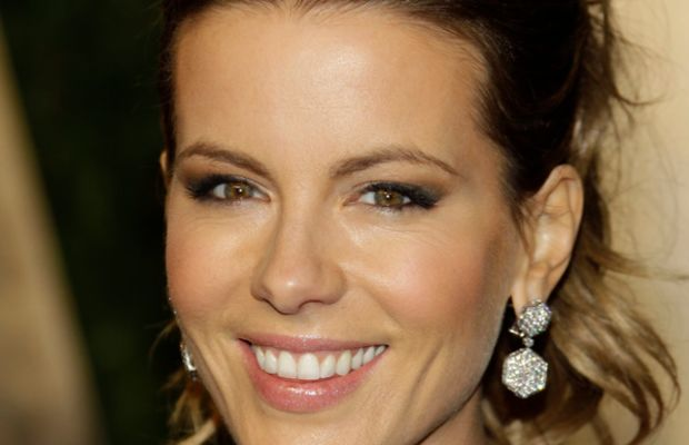 Kate-Beckinsale-2011-Vanity-Fair-Oscar-Party