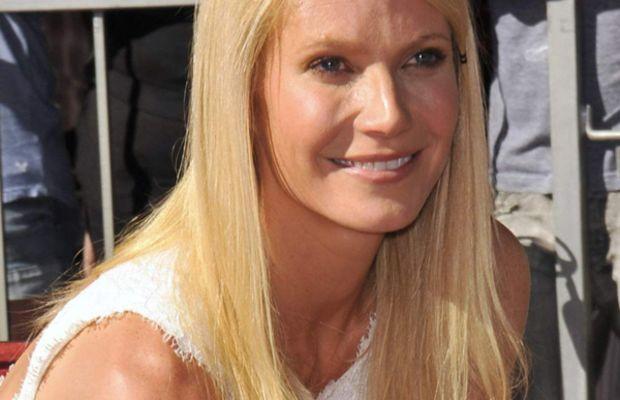 Gwyneth-Paltrow-Hollywood-Walk-of-Fame-2010-frozen-face