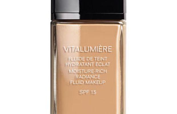 Chanel Vitalumiere Moisture-Rich Radiance Fluid Makeup SPF 15