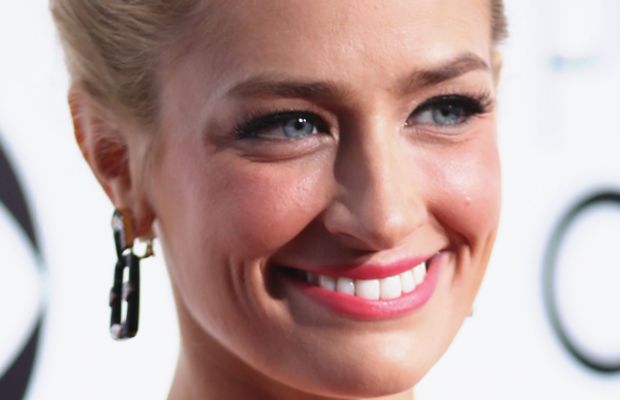Beth Behrs, People's Choice Awards, 2014