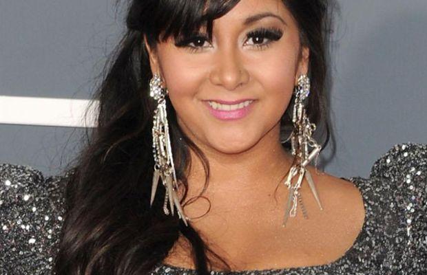 Snooki-2011-Grammy-Awards