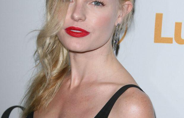 Kate-Bosworth-red-lipstick-2010