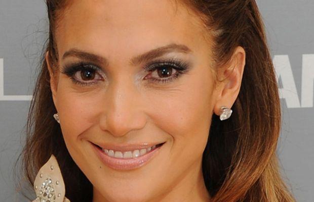 Jennifer-Lopez-Glamour-Women-of-the-Year-Awards-2011