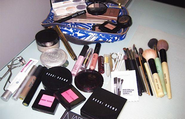 Alisha Noon makeup bag