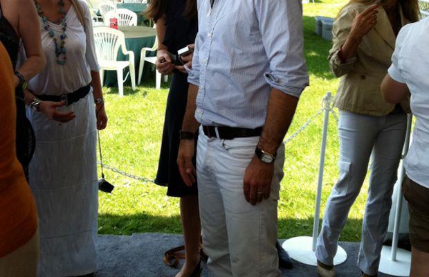 Nacho-Figueras-white-jeans
