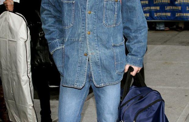 Kiefer-Sutherland-Canadian-tuxedo-618x1024