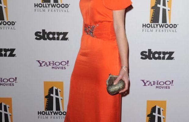 Mila-Jovovich-Hollywood-Awards-Gala