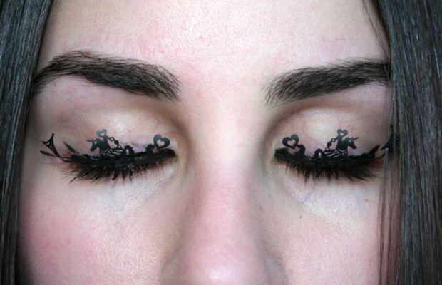 Paperself eyelashes on eyes (2)