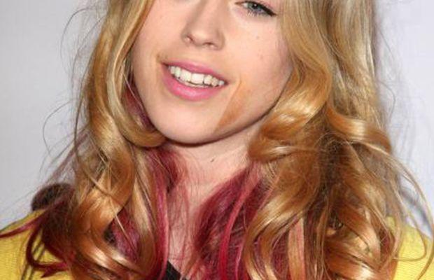 Mary-Charteris-pink-hair