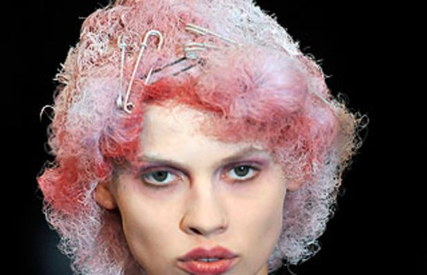 commedesgarcons_spring2010beauty