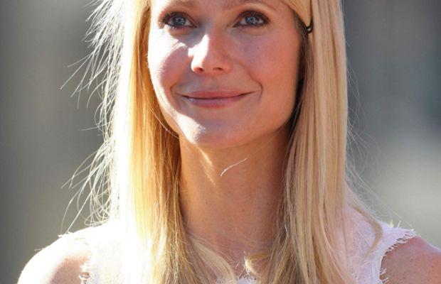 Gwyneth-Paltrow-Hollywood-Walk-of-Fame-2010